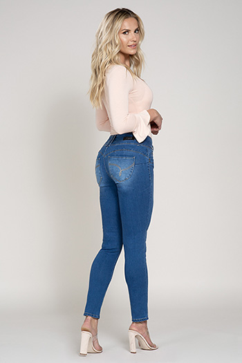 Women Petite WannaBettaButt 3-Button Skinny Jean