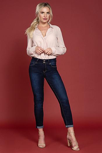 Women Petite 2-Button Cuffed Ankle Jean