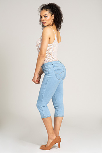 Women WannaBettaButt Mid-Rise Cropped Jean with Side Slit