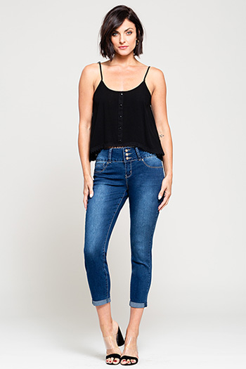 Women Basic Mid-Rise 3-Button Rolled Cuffed Ankle Jean