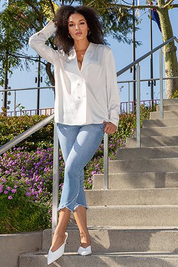 Women Denim Ankle Jean with Cross Over Fray Hem