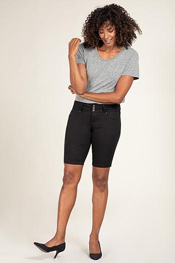 Women Basic 3-Button Bermuda with Side Slit Hem