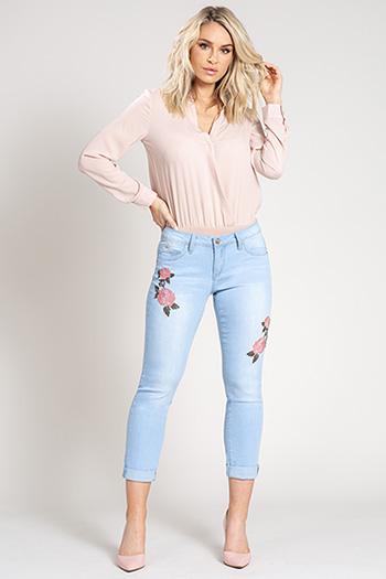 Women WannaBettaButt Floral Embroidered Ankle Jean