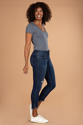 Women Mid-Rise Frayed Hi-Lo Hem Anklet