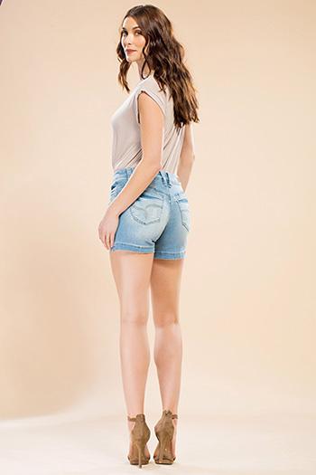 Women WannaBettaButt Single-Button Shorts
