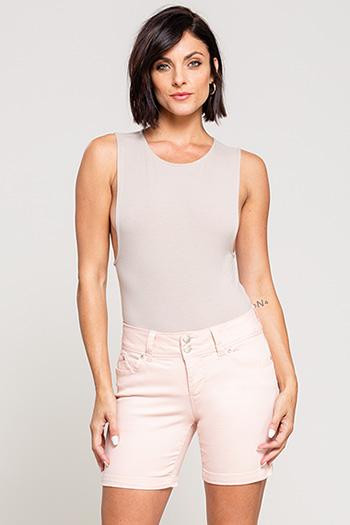 Women WannaBettaButt 2-Button Cuffed Short