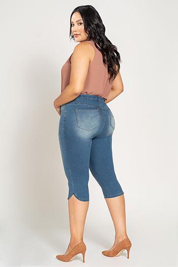 Women Plus Size Women Super Soft Pull-On Capri Pants