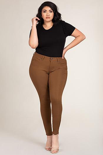 Women Plus Size WannaBettaButt Hyper Twill Pant