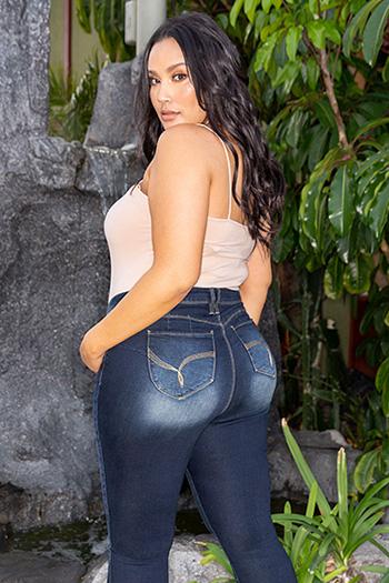 Women Plus Size WannaBettaButt Single-Button Skinny Jean