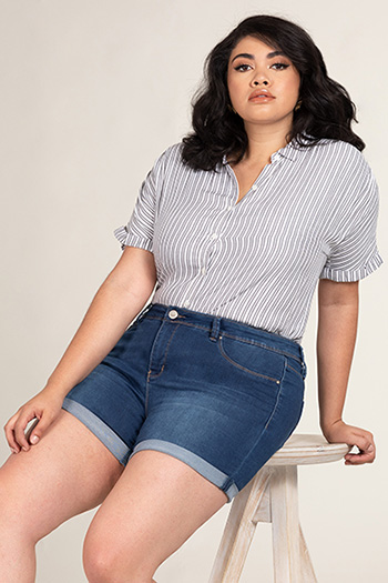 Women Plus Size Mid-Rise Double Roll Cuffed Shorts